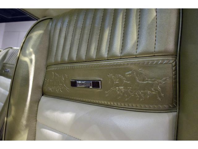 フォード フォード マスタング 2+2 California-Pkg 国内未登録