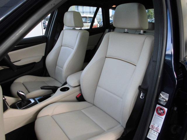 BMW BMW X1 sDrive 20i xライン ベージュレザー サンルーフ