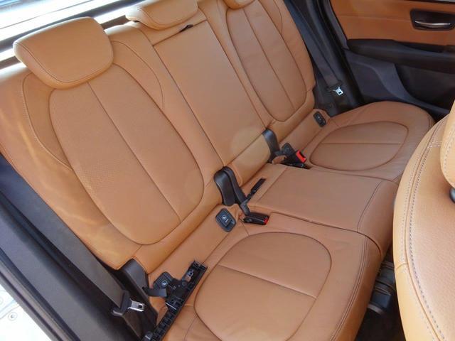 BMW BMW 218d  ラグジュアリー ブラウンレザー パーキングサポ