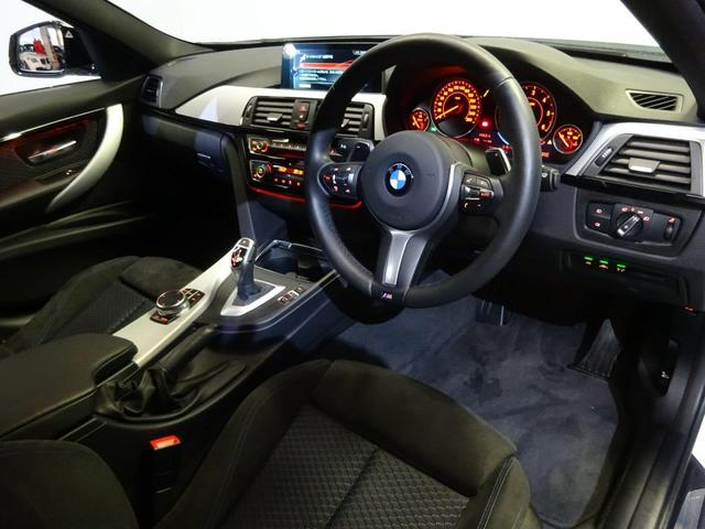 BMW BMW 320dツーリング Mスポーツ19インチ 後期LED ACC