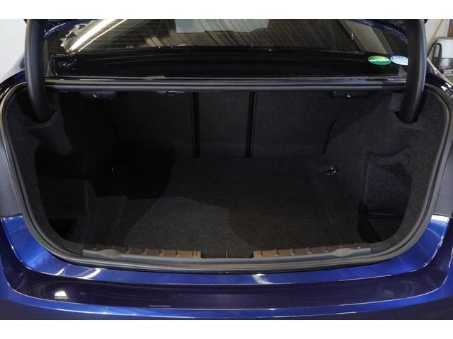 320iラグジュアリー BMW認定中古車 1年保証走行距離無制限 ブラックレザー シートヒーター バックカメラ 衝突軽減 ウッドトリム スマートキー(13枚目)