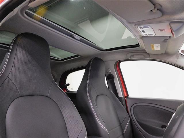 スマート スマートフォーフォー ブラバス エクスクルーシブ レッド リミテッド 新車保証