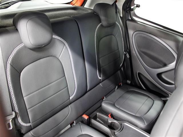 ブラバス エクスクルーシブ 2年保証 新車保証(10枚目)
