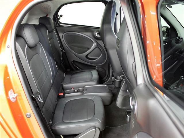 ブラバス エクスクルーシブ 2年保証 新車保証(11枚目)