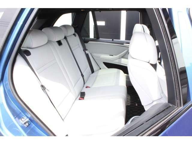 BMW BMW X5 M ベースグレード 4WD 白革・パノラマルーフ 左ハンドル