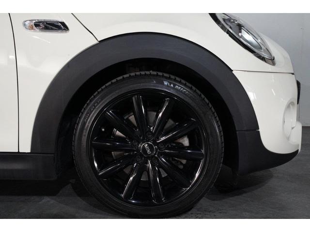 クーパーS MINI認定中古車 エナジェティック・スタイル スポーツAT リアビューカメラ&PDC クルーズコントロール ブラック・ルーフ ブラック・ミラーカバー スマートキー 2年保証 全国保証(5枚目)