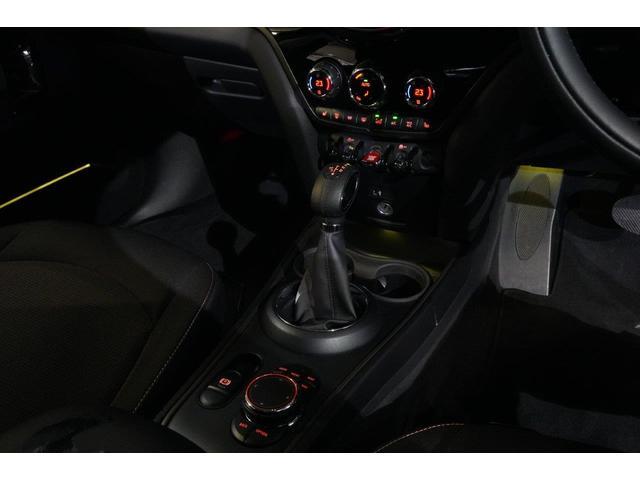 クーパーD クロスオーバー オール4 ペッパーパッケージ LEDヘッドライト LEDフォグランプ ACC18インチホイール(26枚目)