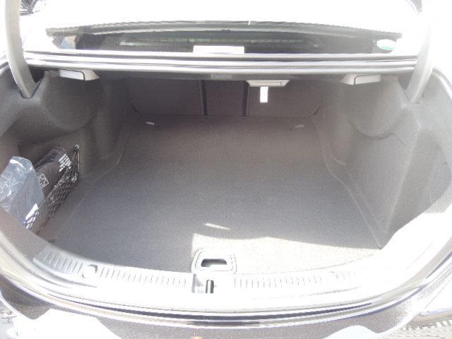 メルセデス・ベンツ M・ベンツ E200 4マチック アバンギャルド レザーパッケージ