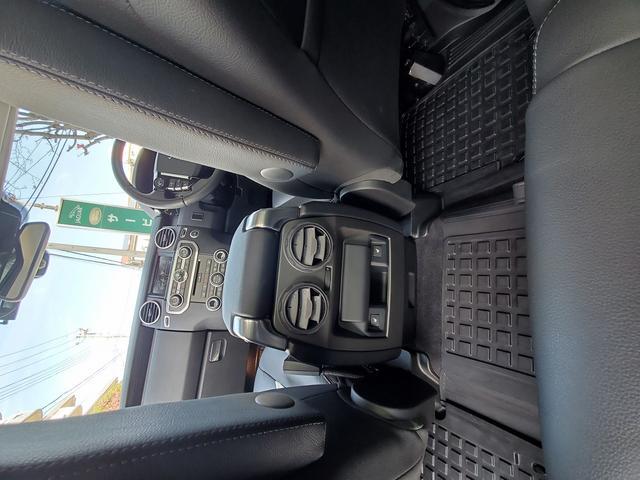 「ランドローバー」「ランドローバー ディスカバリー4」「SUV・クロカン」「東京都」の中古車28