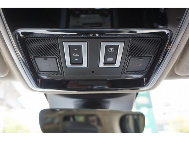 オートバイオグラフィー 4WD 5.0V8スーパーチャージドエンジン スライディングパノラミックルーフ(27枚目)