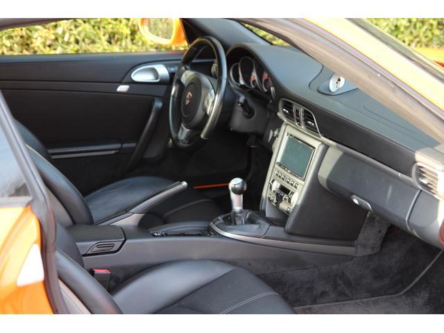 911ターボ 4WD 左ハンドル 19インチAW 6MT(13枚目)