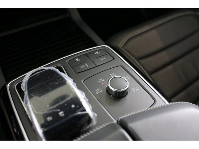 GLE63 S 4マチック クーペ 認定中古車/レーダーセーフティパッケージ/パノラミックスライディングルーフ/本革シート/シートエアコン/シートヒーター(18枚目)