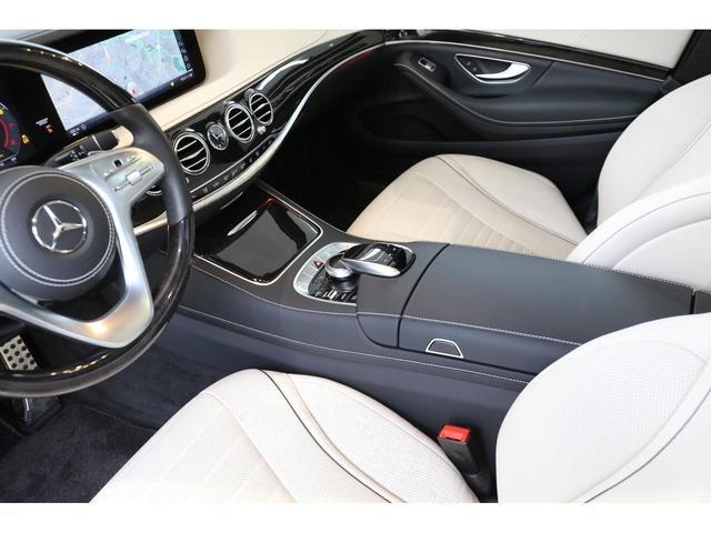 S450エクスクルーシブ AMGライン ダイヤモンドホワイト 白レザーシート 左ハンドル 20インチAMG10スポークアルミ シートベンチレーター(17枚目)