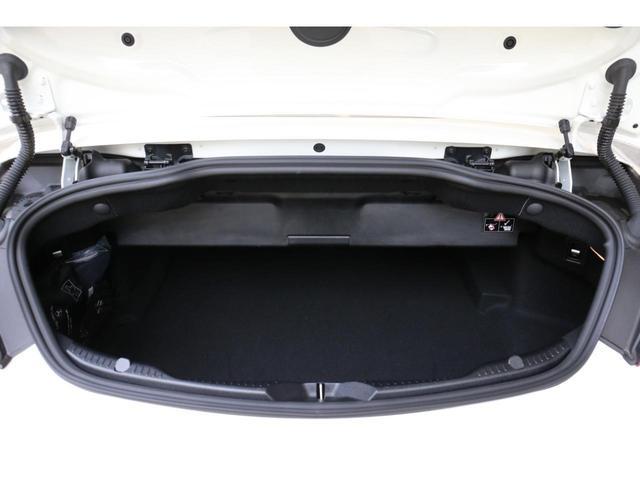 C63 Sカブリオレ 認定中古車 黒幌 レーダーセーフティパッケージ AMGカーボンパッケージ ヘッドアップディスプレイ Burmesterサラウンドサウンドシステム(13枚目)