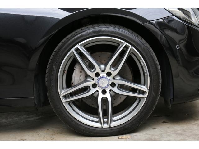 E220dステションワゴンアバンGスポツ(本革仕様) 本革シート(ナッパレザー) レーダーセーフティパッケージ 360°カメラ シートヒーター AMGスタイリングパッケージ エアバランスパッケージ 64色アンビエントライト 認定中古車 禁煙車(8枚目)