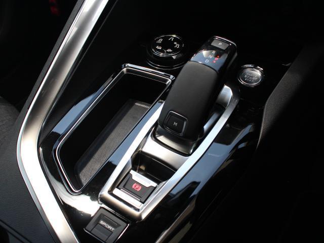 GTライン ブルーHDi 純正ナビ AppleCarPlay/AndroidAuto ワイドバックカメラ アクティブセーフティブレーキ レーンキープアシスト ACC ハンズフリーパワーリフトゲート LEDヘッドライト(6枚目)