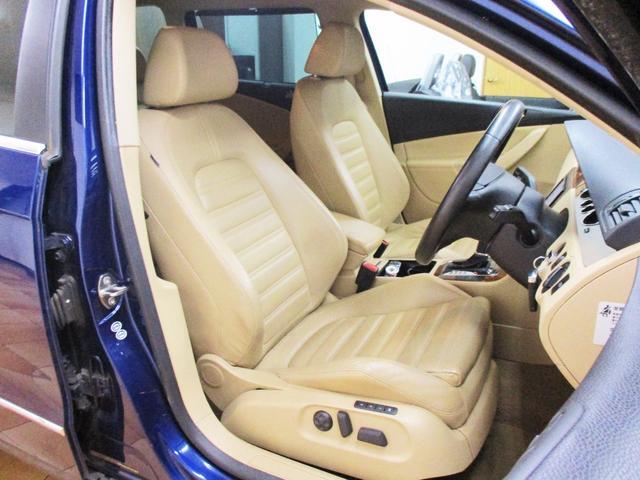 フォルクスワーゲン VW パサートヴァリアント V6 4WD ベージュ本革ヒーター付パワーシート HDDナビ