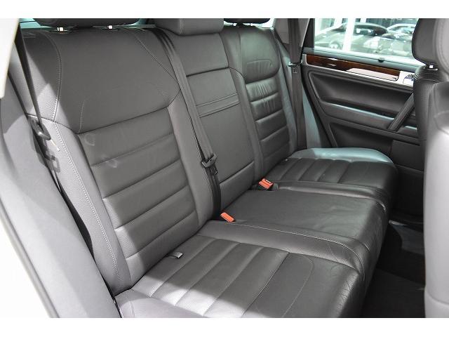 V6 黒革シート HDDナビ&地デジTV ディーラー車(19枚目)
