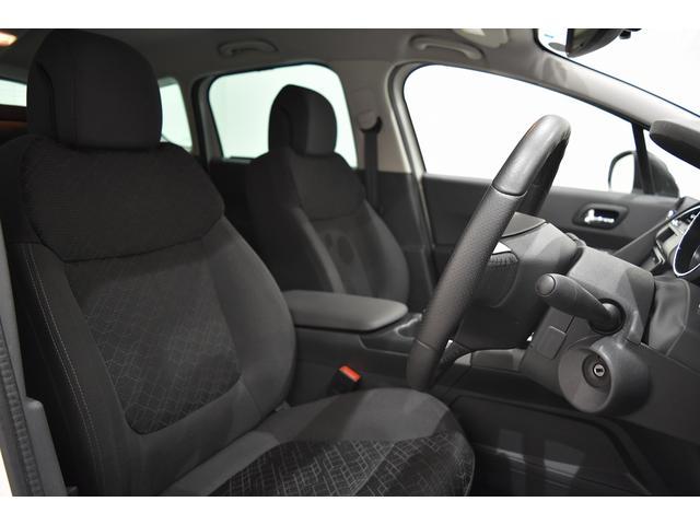 「プジョー」「プジョー 3008」「SUV・クロカン」「茨城県」の中古車21