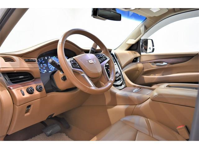 プラチナム 360°カメラ BOSEサウンド サンルーフ フリップダウンM ヘッドアップディスプレイ Pランニングボード 22インチAW シートヒーター&クーラー PテールゲートリアモニターD車(4枚目)