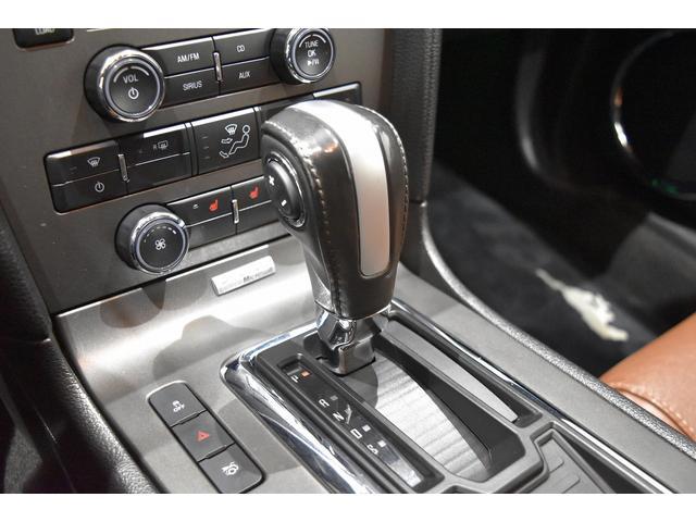 V6 プレミアム 2013yモデル 正規ディーラー車 ブラウン革シート シートヒーター SYNC USB Bluetooth バックカメラ 純正クローム18AW 車高調サス キーレスエントリー(12枚目)