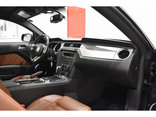 V6 プレミアム 2013yモデル 正規ディーラー車 ブラウン革シート シートヒーター SYNC USB Bluetooth バックカメラ 純正クローム18AW 車高調サス キーレスエントリー(23枚目)