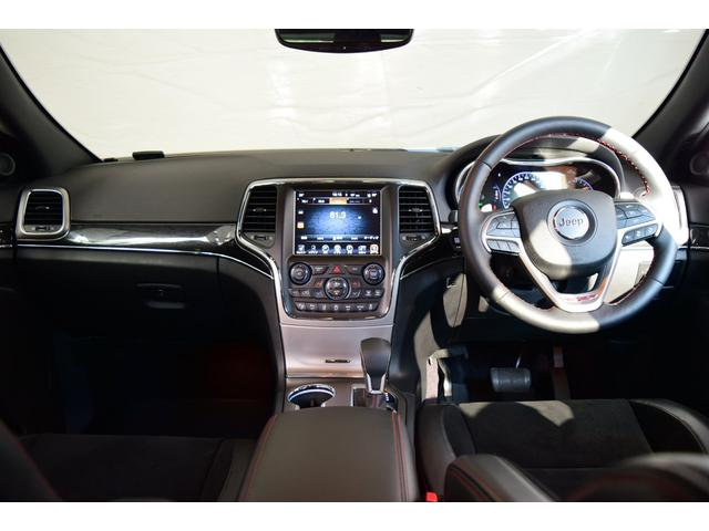 地デジ・Bluetooth付ナビです。スマートフォンからも音楽を聴けます。長距離でも楽しく快適なドライブをお楽しみ頂けます。