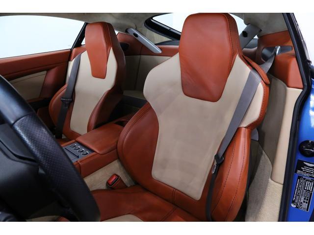 正規ディーラー車 2006年モデル Aston Martin V8ヴァンテージ 左ハンドル バルティゴブルー/ブラウン×ベージュレザー
