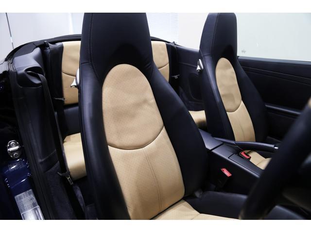 正規ディーラー 2005年モデル PORSCHE 911(997)カレラSカブリオレ 右ハンドル ミッドナイトブルーメタリック/ネイビーオールレザーインテリア/ネイビーソフトトップ