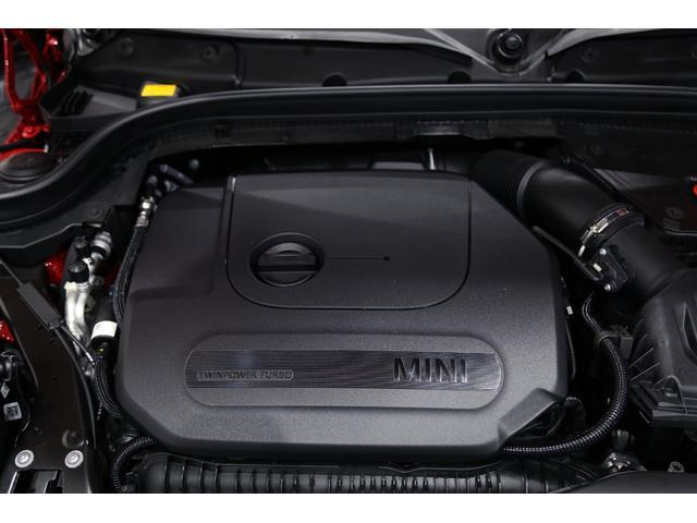ジョンクーパーワークス 1オーナー マニュアル最終モデル 6MT ピアノブラックエクステリア JCWミラーキャップ シャギーチェックフロアマット 17インチJCWトラックスポーツブラックアルミ アダプティブLEDヘッドライト(18枚目)