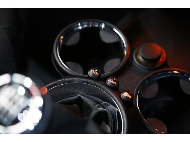 クーパーS 1オーナー 後期型 コントラストルーフ・ドアミラー ナビ地デジ R56 オートライト ドアバイザー マッドガード アイドリングストップ スポーツモード キセノン(57枚目)