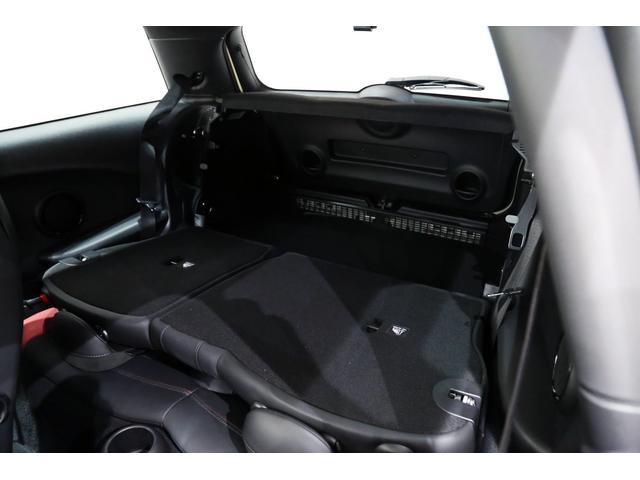 ジョンクーパーワークス 1オーナー 6MT マニュアル トラックスタイル TLC5年サービスパッケージ付 カメラ&パーキングアシストパッケージ アダプティブサスペンション シートヒーター プライバシーガラス(7枚目)