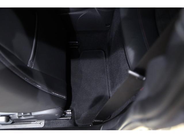 ジョンクーパーワークス 1オーナー 6MT マニュアル トラックスタイル TLC5年サービスパッケージ付 カメラ&パーキングアシストパッケージ アダプティブサスペンション シートヒーター プライバシーガラス(9枚目)