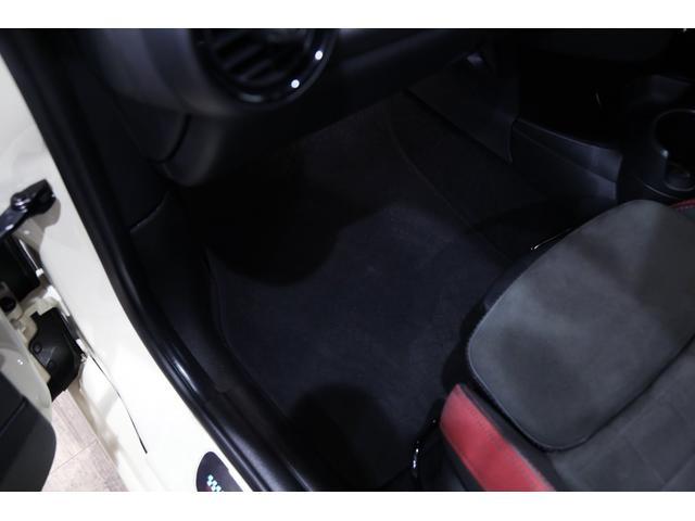 ジョンクーパーワークス 1オーナー 6MT マニュアル トラックスタイル TLC5年サービスパッケージ付 カメラ&パーキングアシストパッケージ アダプティブサスペンション シートヒーター プライバシーガラス(10枚目)