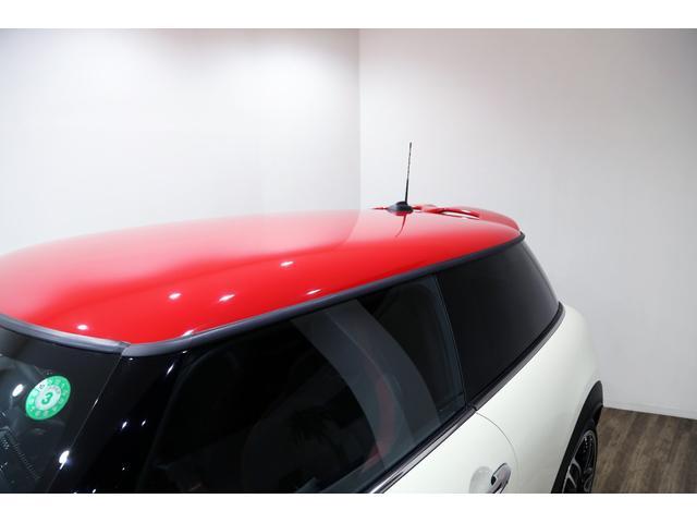ジョンクーパーワークス 1オーナー 6MT マニュアル トラックスタイル TLC5年サービスパッケージ付 カメラ&パーキングアシストパッケージ アダプティブサスペンション シートヒーター プライバシーガラス(11枚目)