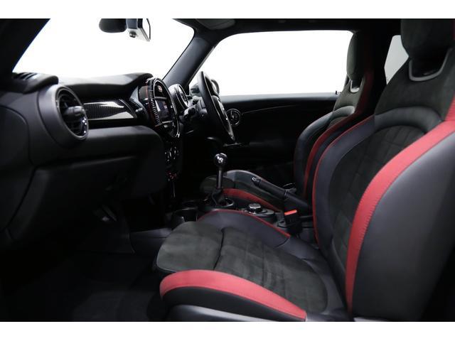 ジョンクーパーワークス 1オーナー 6MT マニュアル トラックスタイル TLC5年サービスパッケージ付 カメラ&パーキングアシストパッケージ アダプティブサスペンション シートヒーター プライバシーガラス(18枚目)