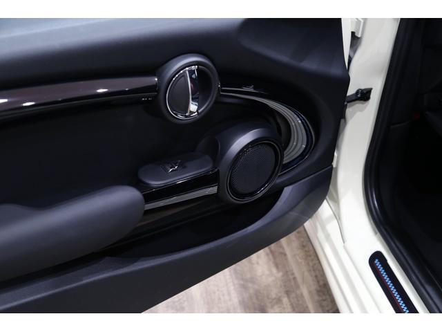 ジョンクーパーワークス 1オーナー 6MT マニュアル トラックスタイル TLC5年サービスパッケージ付 カメラ&パーキングアシストパッケージ アダプティブサスペンション シートヒーター プライバシーガラス(23枚目)