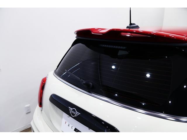 ジョンクーパーワークス 1オーナー 6MT マニュアル トラックスタイル TLC5年サービスパッケージ付 カメラ&パーキングアシストパッケージ アダプティブサスペンション シートヒーター プライバシーガラス(25枚目)