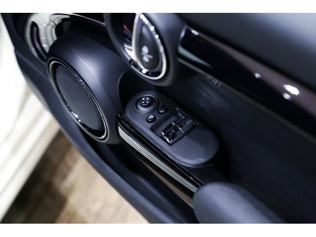 ジョンクーパーワークス 1オーナー 6MT マニュアル トラックスタイル TLC5年サービスパッケージ付 カメラ&パーキングアシストパッケージ アダプティブサスペンション シートヒーター プライバシーガラス(52枚目)