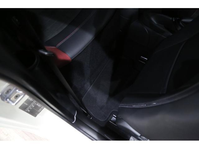 ジョンクーパーワークス 1オーナー 6MT マニュアル トラックスタイル TLC5年サービスパッケージ付 カメラ&パーキングアシストパッケージ アダプティブサスペンション シートヒーター プライバシーガラス(53枚目)