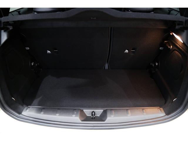 ジョンクーパーワークス 1オーナー 6MT マニュアル トラックスタイル TLC5年サービスパッケージ付 カメラ&パーキングアシストパッケージ アダプティブサスペンション シートヒーター プライバシーガラス(55枚目)
