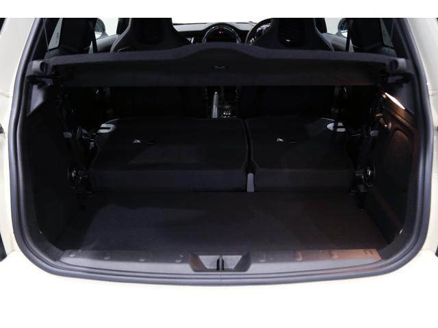 ジョンクーパーワークス 1オーナー 6MT マニュアル トラックスタイル TLC5年サービスパッケージ付 カメラ&パーキングアシストパッケージ アダプティブサスペンション シートヒーター プライバシーガラス(56枚目)
