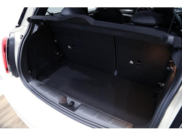 ジョンクーパーワークス 1オーナー 6MT マニュアル トラックスタイル TLC5年サービスパッケージ付 カメラ&パーキングアシストパッケージ アダプティブサスペンション シートヒーター プライバシーガラス(57枚目)
