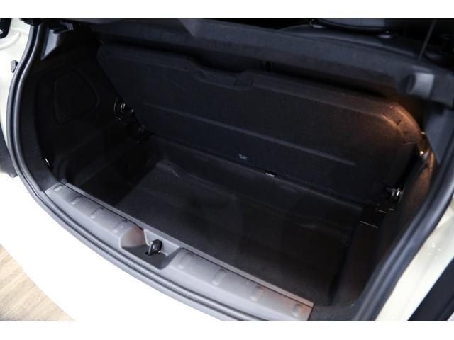 ジョンクーパーワークス 1オーナー 6MT マニュアル トラックスタイル TLC5年サービスパッケージ付 カメラ&パーキングアシストパッケージ アダプティブサスペンション シートヒーター プライバシーガラス(58枚目)