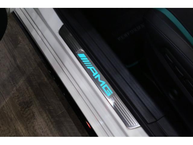 A45AMG4マチックペトロナスグリーンエディション 特別仕様車/限定30台/専用装備/AMGパフォーマンススタジオ/F1チーム/メルセデスAMGペトロナスフォーミュラーワン/専用デカール/アルカンターラステア/カーボンインテリア/19インチアルミ/(18枚目)