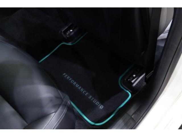 A45AMG4マチックペトロナスグリーンエディション 特別仕様車/限定30台/専用装備/AMGパフォーマンススタジオ/F1チーム/メルセデスAMGペトロナスフォーミュラーワン/専用デカール/アルカンターラステア/カーボンインテリア/19インチアルミ/(62枚目)