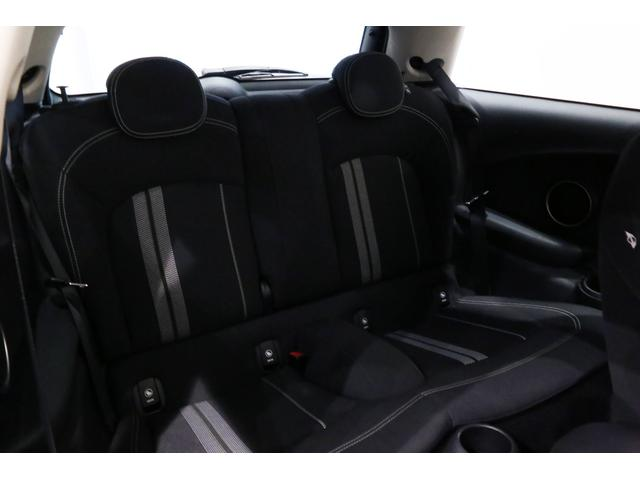 クーパーS 6MT/1オーナー/ペッパーパッケージ/クロームラインエクステリア/JCWステアリング/アルミペダル/バックカメラ/ブラック16インチアルミ/スポーツシート/ブラックルーフ・ドアミラー/(44枚目)
