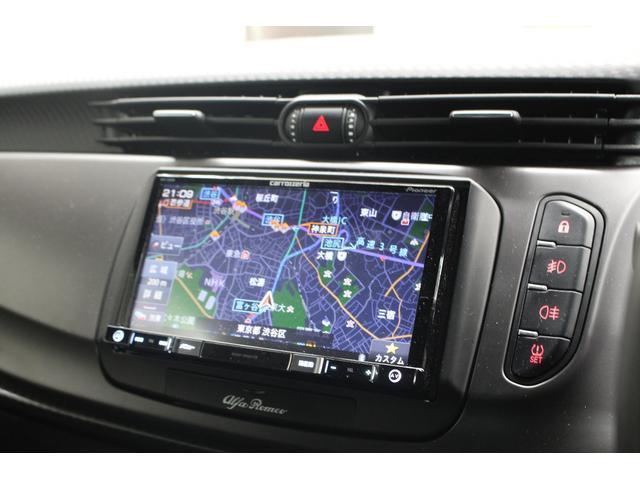2DINナビゲーションも装備。ナビゲーションだけでなく、ラジオ・USB・Bluetooth・TVなど多彩な機能も備わっております。