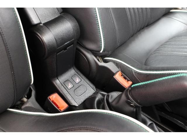 冬には助かるシートヒーター装備!全国納車可能です。まずは0066-9700-1023までお問い合わせください。