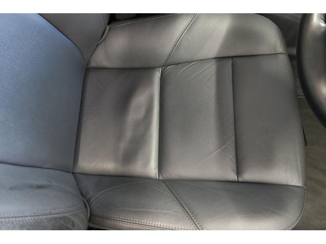 ドライバー席座面、スレなども無く綺麗です